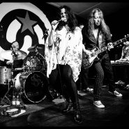 SARI SCHORR & THE ENGINE ROOM (2)