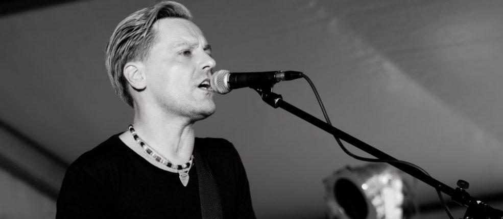 Hypothalamus konzerte live musik events location - Bryan adams room service live in lisbon ...