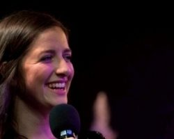 ANNA WENIGER tritt im Vorprogramm von BOUNCE auf